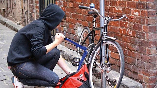 Поліція викрила франківця у крадіжці велосипеда з-під будинку