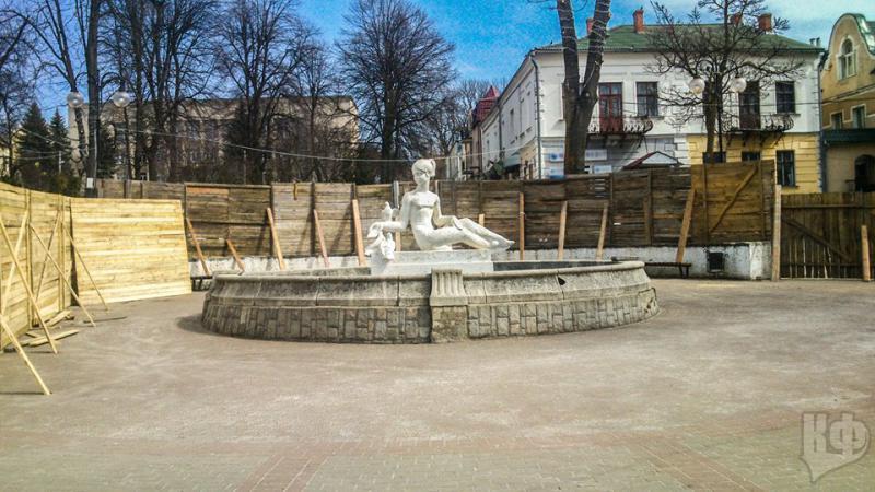 До Дня Незалежності на центральній площі Калуша запрацює фонтан ... b9d36aa1a4243