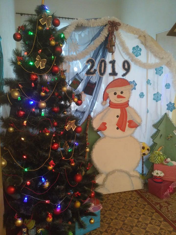 a2e487679e839c У Калуші дев'ять закладів змагалися за кращу новорічно-різдвяну вітрину.  Переможців оголосять на Водохреща (ФОТО) 11 січня 2019