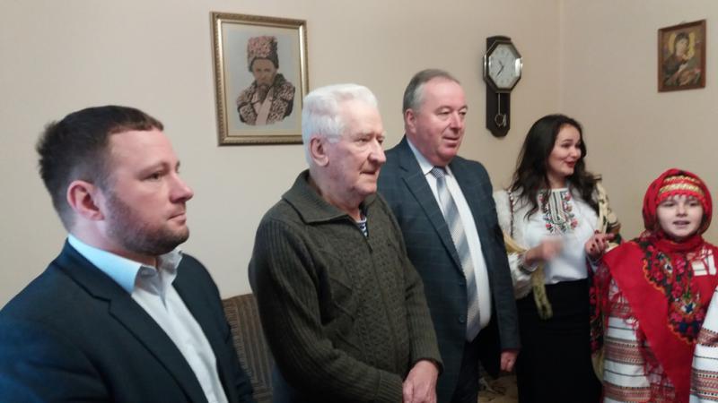4f695e475e8018 Керівники Калущини привітали «упівця» Степана Петраша з днем народження  (ФОТОФАКТ) 15 січня 2019